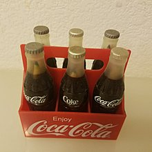 可口可樂精品文具,備有不同顏色筆