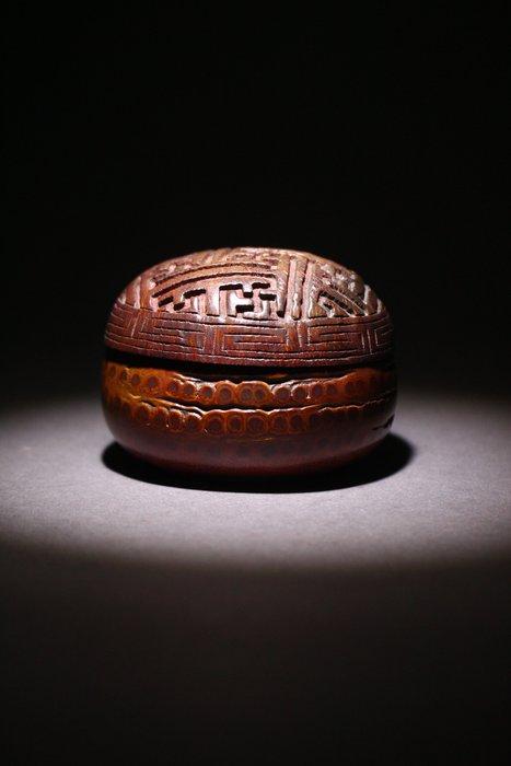 悅年堂 --- 竹刻 錦地紋 蓋盒 胭脂盒
