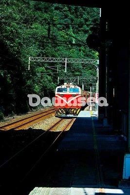 台灣圖庫.圖片.照片出租.莒光號火車.專業攝影師拍攝.想租多少價格.你決定專案.