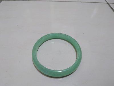 翡翠透綠手環