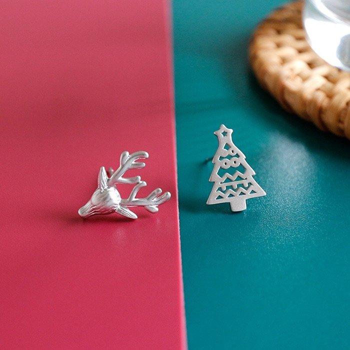 《現貨》925純銀 鏤空聖誕樹 立體小麋鹿 不對稱耳針耳釘耳環 耳飾 生日情人禮聖誕節必備附禮盒 銀布 Baonizi