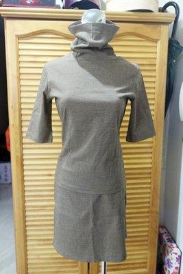 °☆ 珮齊精品舖 ☆° 棕色千鳥格高領短袖套裝 / 裙裝
