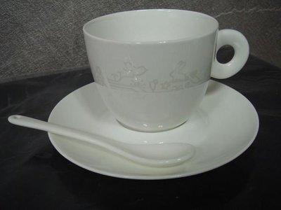 全新從未用過的【台茂 TaiMall 骨瓷杯盤組】,只有一件,包裝挺美的,低價起標無底價!免運費!