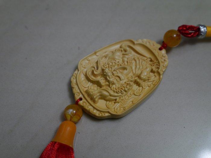 黃楊木 汽車掛件1個 木雕 車掛 車飾 吊飾 保平安 招財貔貅 木雕長約7cm 寬4.7公