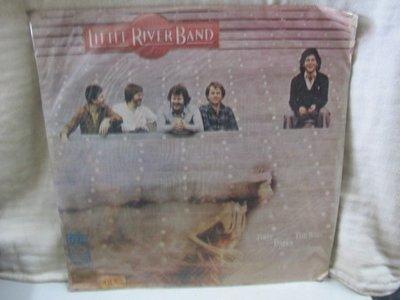 二手舖 NO.2178 黑膠 西洋 Little River Band - First Under The Wire