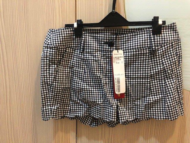小花別針、專櫃品牌【Knights Bridge】黑白格子短褲