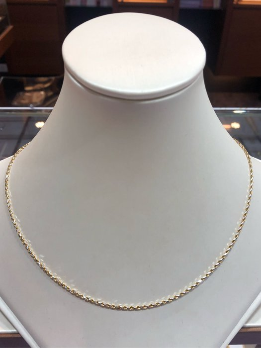 義大利585/14K金項鍊,單戴就很好看,超值優惠價11900,重1.66錢,基本簡單亮面麻花鍊,男女都適用