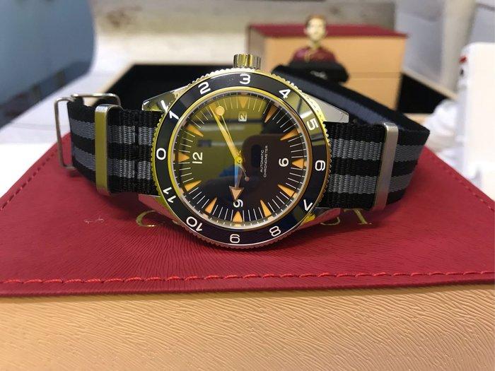 ㊅六樓先生㊅ 007-惡魔四伏 James Bond 所配戴之同款 藍寶石陶磁圈自動上鍊機械錶