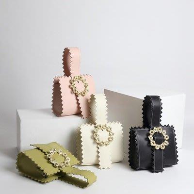 手提 包 真皮 晚宴包-時尚金屬花朵鋸齒邊女包包4色73tn21[獨家進口][巴黎精品]