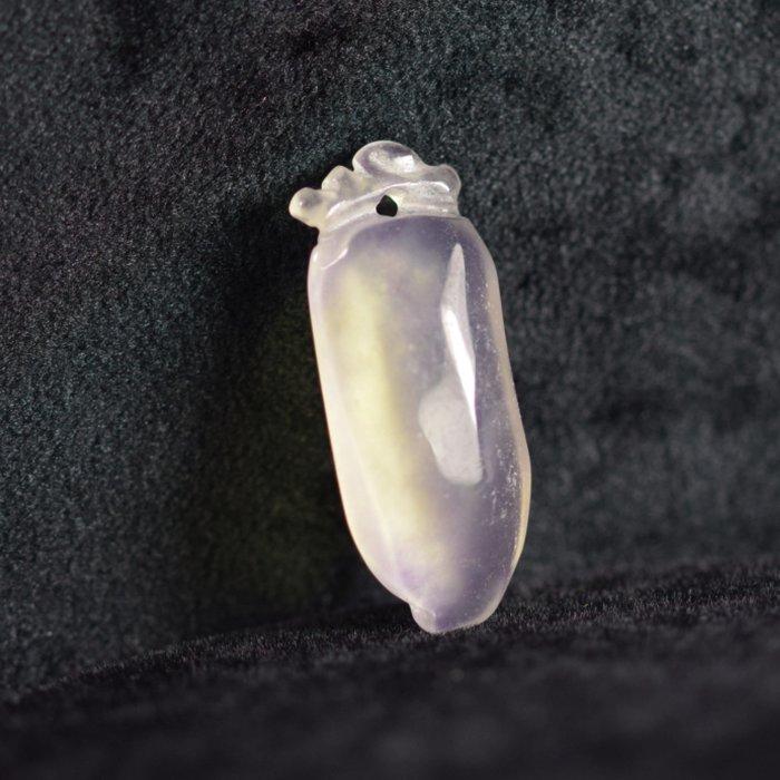 附講 晶鑽小墜【紀孝莊】092008  冰種玻璃翠放光白翡墜  2.6x1x0.5cm  重3g