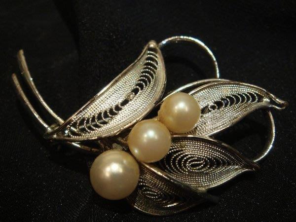 全新日本帶回,珍珠珠珠造型別針胸針,非常細緻美麗!低價起標無底價!本商品免運費!