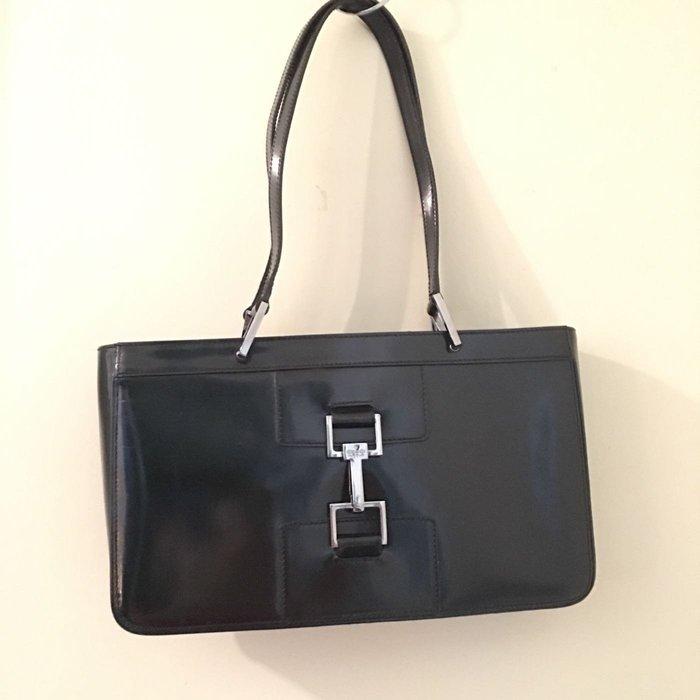 二手Gucci黑色肩背小方包 銀色釦環裝飾002-1132-002058