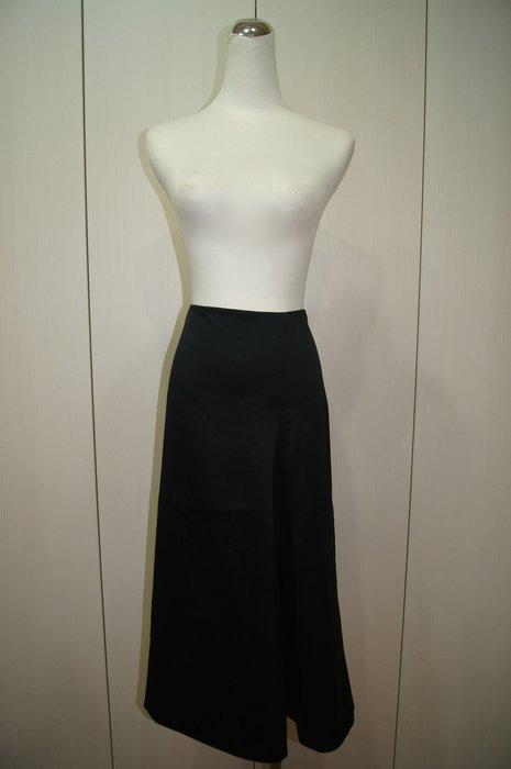 JILSANDER  黑色長裙    原價 38200     特價  5500