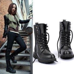 YEAHSHOP 2018歐美中筒靴馬丁靴女短靴平底單靴黑色機車靴女軍靴騎士靴大碼196718Y185