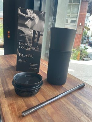 加州生活風尚 HYDY 2021 NEW ARRIVAL 時尚兩用隨行保溫杯附吸管 黑瓶身 450ml
