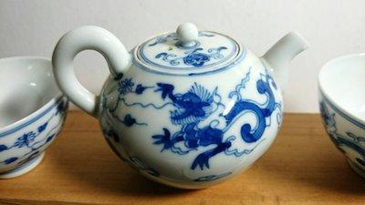 早期青花瓷手繪茶壺