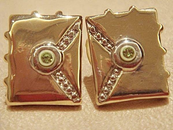 全新從未用過的金屬耳環,很細緻可愛喔!低價起標無底價!本商品免運費!