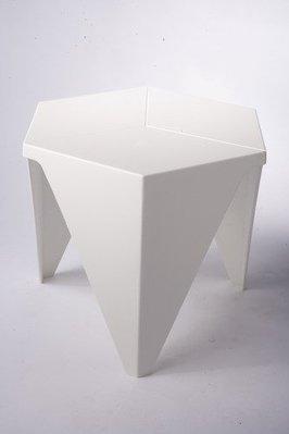 《瘋椅世界》Honeycomb造型單椅、洽談椅、單椅、接待椅、餐桌椅、堆疊椅、造型椅、天鵝椅、高腳椅