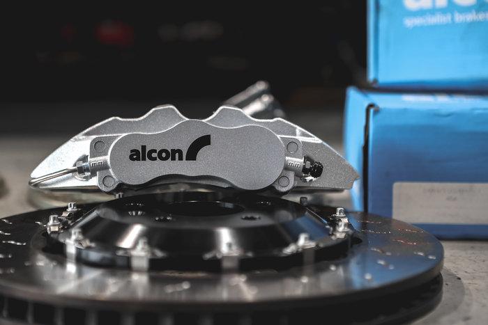 德朋國際 / ㊣公司貨Alcon Car97 六活塞套裝卡鉗組 AUDI A6 C7 實裝
