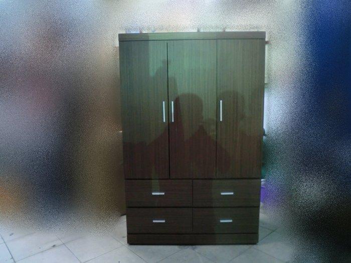 樂居二手家具*BN505 全新胡桃木色4尺耐磨衣櫃*衣櫃 衣櫥 三門衣櫃 三門衣櫥 4尺衣櫃 全新衣櫃 全新4尺衣櫃