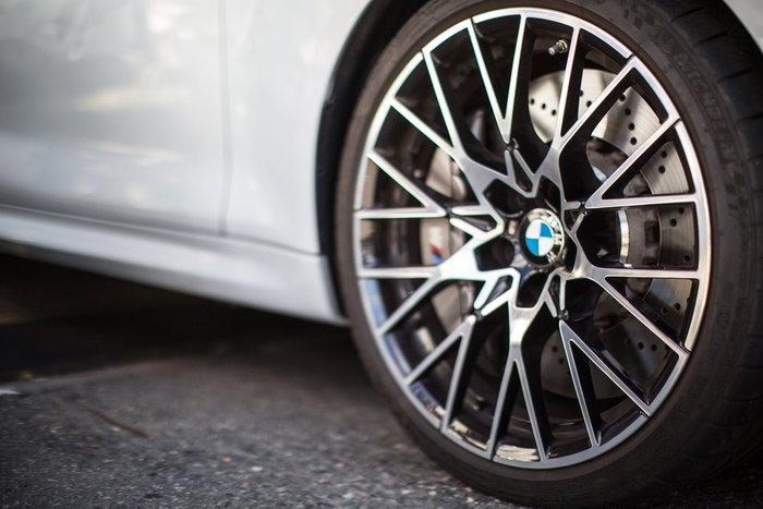 【樂駒】新車 落地 BMW M2 Competition 788M 輕量化輪圈含胎組 精品 底盤 套件