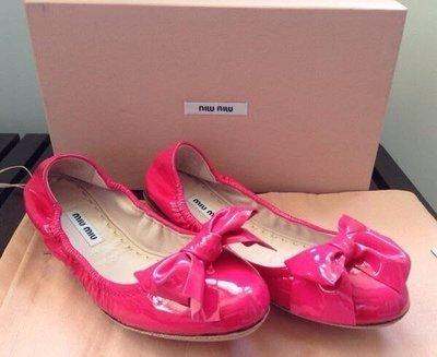 Miu miu 亮桃紅漆皮蝴蝶結娃娃鞋 (Miu miu vernice fuxia ballet flats)