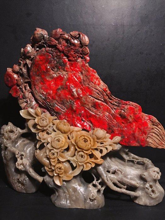 傳世珍藏~物寶天華~ 大豔級大紅袍大片級血色  天然昌化雞血石擺件『人生如意』紅的發亮,耀眼奪目
