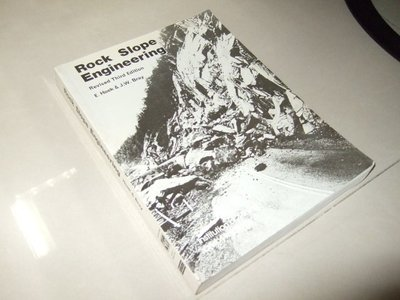 古集二手書96 ~Rock Slope Engineering 3/e Hoek 0419160108 有劃記 1994