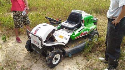 全新原裝日本進口OREC23HP專業駕駛式割草機(4輪傳動機型),專業用途耐用適合長時間大面積,適合爬坡割草--免運費