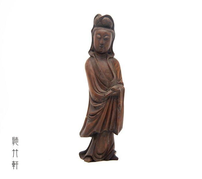 【聽竹軒】老黃楊木觀世音菩薩立像