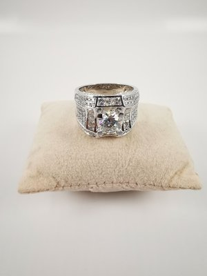現貨不必等-超閃亮群鑲款式 4.48克拉男士鑽戒(莫桑石 摩星鑽 鑽石 裸石)