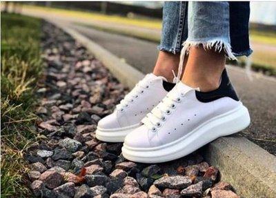 美亞代購  Alexander McQueen 增高鞋底小白鞋  全白黑尾 麂皮  基本款 名人實著