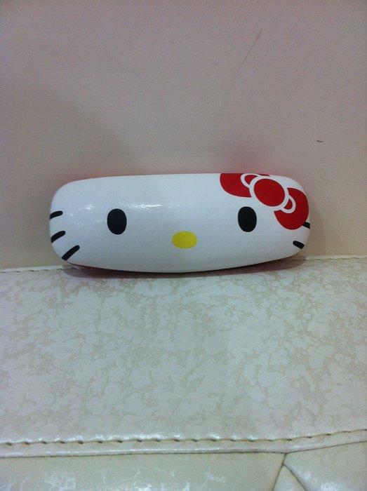 東京家族 Hello Kitty 眼鏡盒