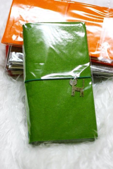 【R的雜貨舖】羊毛氈簡約 日式復古筆記本 旅遊/外出/萬用年曆(綠)