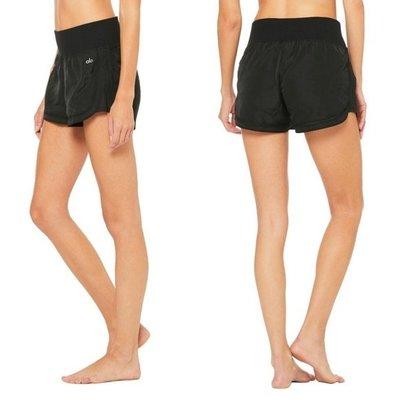 安安精品保證正品~Alo Yoga Meditate Short W6121R好萊塢時尚冥想短褲黑色