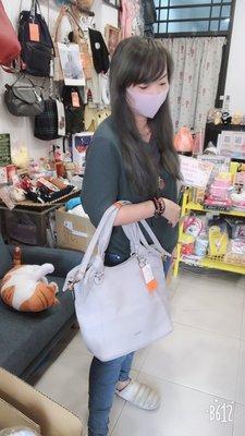 (預購)玩瞎拚#日本空運代購 素面荔枝皮革扭結肩背包 共5色