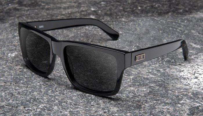 { POISON } 9FIVE CAPS BLACK 純粹黑 美國西岸風格太陽眼鏡品牌