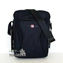 【YOGSBEAR】 直立式 USB 充電包 OVERLAND 十字軍 側背包 斜背包 平板袋 5432