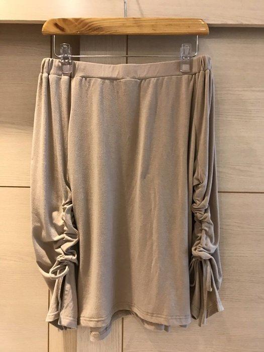 Y & F fashion 鬆緊露肩一字領棉質T恤上衣(女)