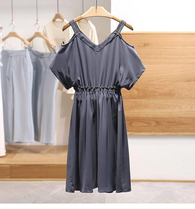【木風小舖】縷空編織肩帶 縮腰簡約露肩洋裝*灰藍
