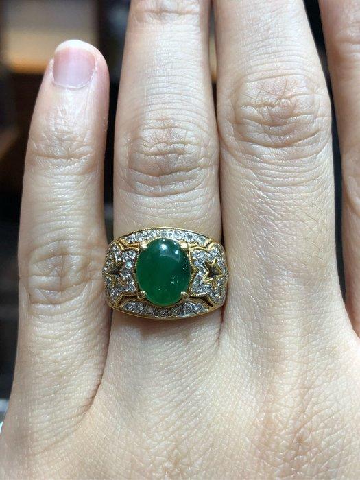 天然A貨放光冰種翡翠鑽石戒指,顏色翠綠,超放光款式,搭配豪華配鑽,現貨一個超值優惠價33800元,可代送鑑定