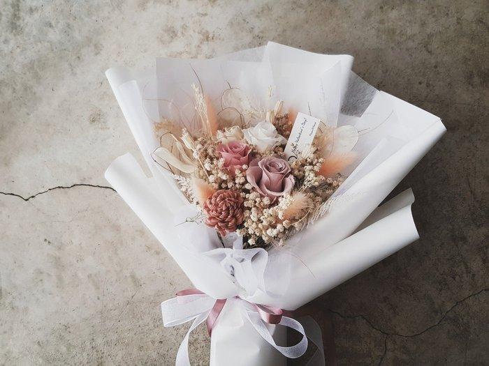 永生花+乾燥花│迷霧粉玫瑰花束│歡迎自取│配送限大台北 | Flower&House花藝之家