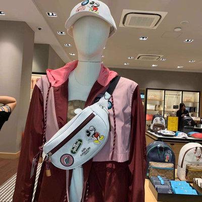 ㊣國際品牌COACH庫㊣美國代購COACH 3786【2件免運】迪士尼聯名合作款 米奇腰包 徽章個性設計胸包 男女通用款