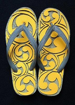 休閒鞋海灘鞋夾腳拖鞋涼鞋像版畫模板又似木雕刻的橡膠雕刻文創藝術品013【心生活美學】