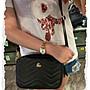 ⭐️拍拍妞⭐️ 韓國同步 新色到真皮牛皮雙夾層肩斜背包 山形紋時尚設計 輕便實用 超質感  貨號81235超優質賣家