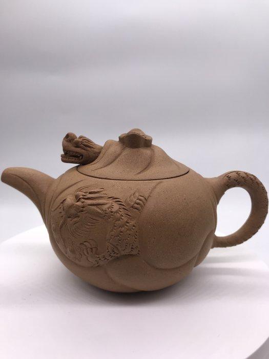 1980年魚化龍段泥茶壺