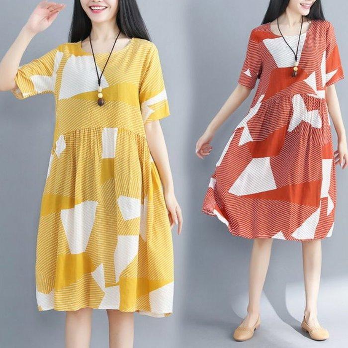漂亮小媽咪 夏日涼感棉麻洋裝 【D7154】 涼爽 幾何 線條 條紋 寬鬆 短袖  加大 輕薄透氣 手感佳