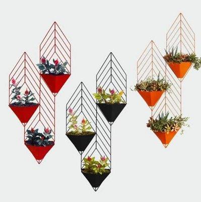『格倫雅』現代簡約創意鐵藝吊蘭壁掛綠蘿花盆幹花花籃牆上花架插花花器^7521