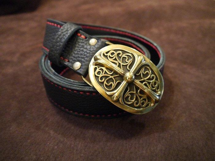 (KH手工皮革)全牛皮訂製鐵十字純銅皮帶頭.3.8CM寬度.皮革縫線可自選限量發售.腰圍30~36腰可用.長度不符可訂製