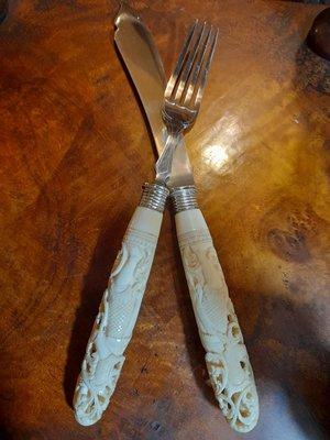 疫情拍賣【布諾西洋古董】雕刻古董刀叉一對$38000英國鍍銀名廠